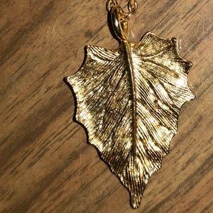 Vintage gold leaf pendant necklace